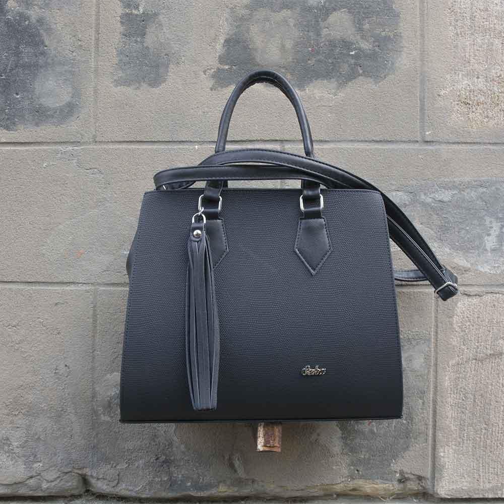84ca7c25f8 Elegantní černá kabelka značky Seka